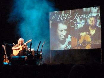 Gordon Giltrap039s Town Hll concert dedicated to Bert Jansch